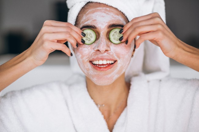 5 домашніх масок для обличчя, які реально працюють - WONA.com.ua