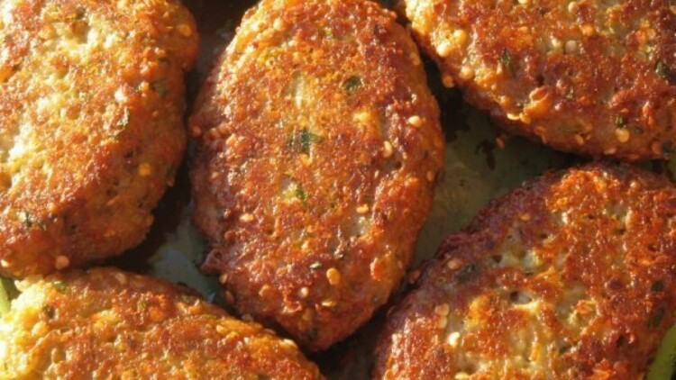 Kotlety z baklazhaniv z syrom v dukhovtsi