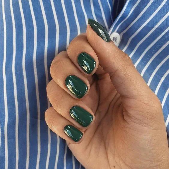 зелені відтінки в манікюрі
