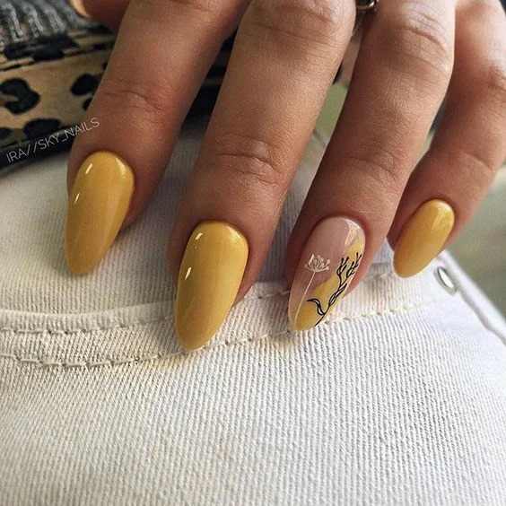 жовті відтінки в манікюрі