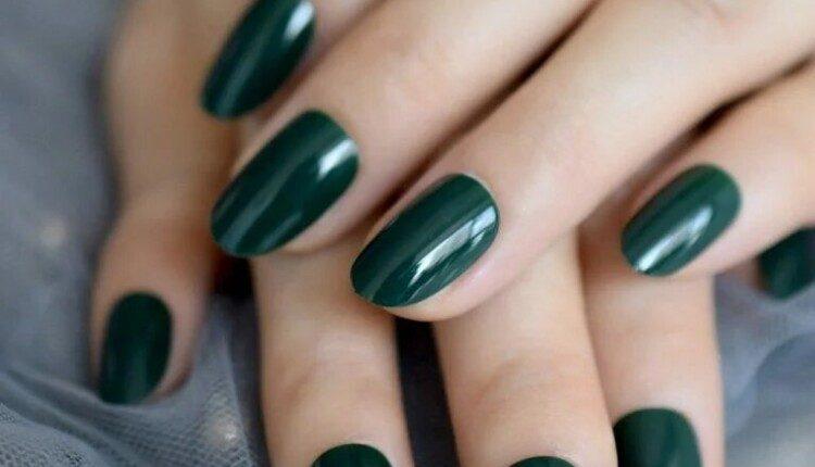 manikiur v smarahdovomu kolori 13