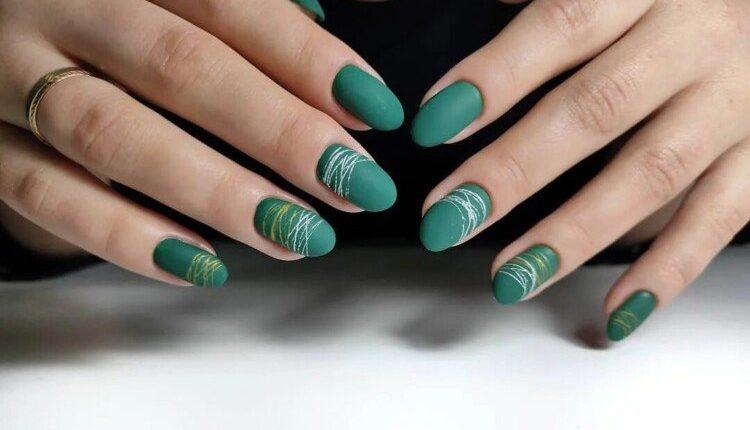 manikiur v smarahdovomu kolori 6