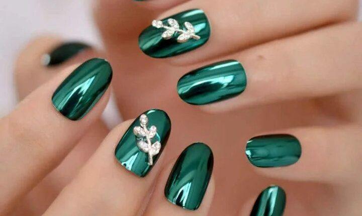 manikiur v smarahdovomu kolori 7